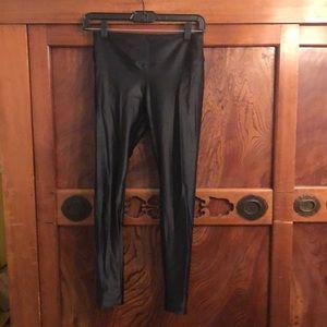 "Koral black shiny crop leggings sz med 25"" inseam"